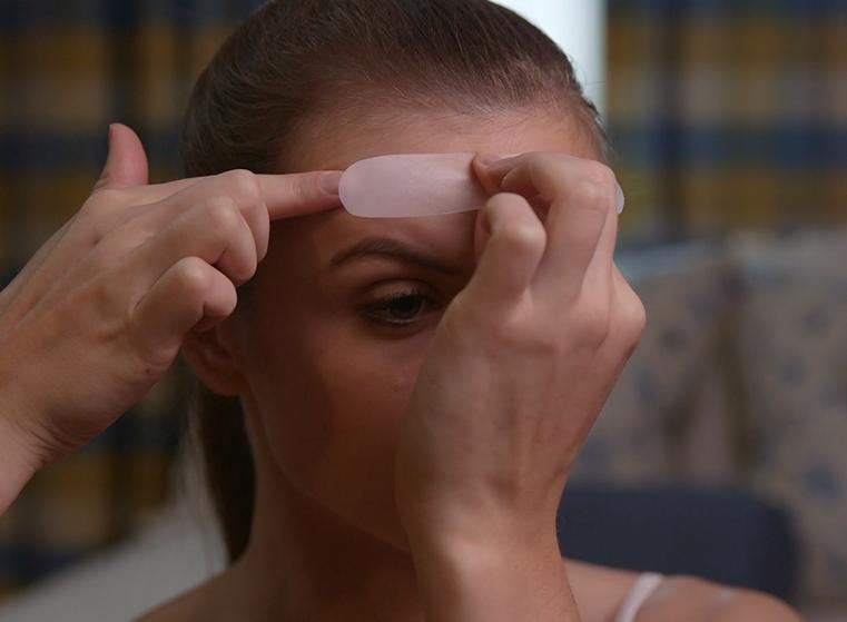 Suaviza y reduce las líneas horizontales de la frente con los parches antiarrugas Facial Smoothies